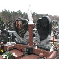 Фото памятника с Богородицей на колонне. Высота скульптуры Богородицы, 78 см. Производство скульптуры из белого бетона в Киеве.