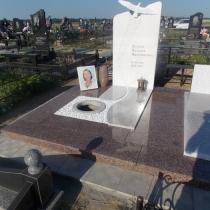 Фото памятника на заказ.  Размер памятника на заказ - согласно проекта 3д.