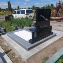 Цена памятника на заказ - доступна. Индивидуальный памятник мужчине.