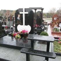 Фото памятника с ангелами. Изготовление памятников по индивидуальному проекту в Киеве. Цена памятника с ангелами, доступна.