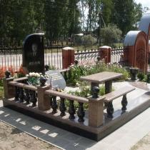 Фото ритуального комплекса на кладбище. Создание индивидуального проекта памятника, разработка дизайна памятников и элитных комплексов класса VIP в Киеве.