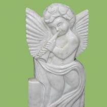 Барельеф ангела из белого мрамора. Фото барельефа сразу после изготовления. Размер барельефа на памятник 85х43х10 см, цена барельефа для памятника $ 1,5 тыс. Сейчас есть в наличии на складе в Киеве.