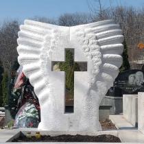 Имея собственное производство памятников в Киеве, компания Гранд Ритуал сегодня может выполнить работу ЛЮБОЙ сложности с гарантией 10 лет.