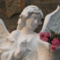 Скульптура Небесного Ангела из бетона. Фото ангела на складе в Киеве. Цена скульптуры ангела 39 тыс. грн.