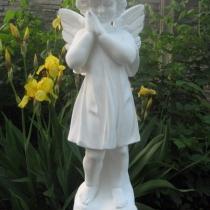 Купить ангела для памятника - можно в Магазине Ритуальной скульптуры в Киеве. Цена ангела - 5 тыс. грн.