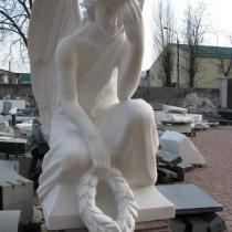 Скульптура ангела. Высота ангела - 85 см. Фото изготовления скульптуры ангела в Киеве.