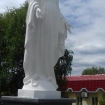 Фото памятника в виде Богородицы. Купить статую Богородицы в Киеве недорого, можно в магазине Ритуальной скульптуры, ул. Стеценко, 18.