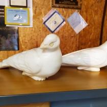 Скульптуры голубей. Купить мраморного голубя - можно с сайта: https://www.grand-ritual.kiev.ua