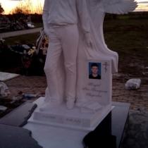 На фото скульптура ребёнка. Заказать детскую скульптуру - можно с стр. сайта: https://www.grand-ritual.kiev.ua/contacts.html