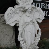 Фигура ангела в мраморе, Фото скульптуры ангела с крестом. Купить ангела из мрамора для памятника, вы можете в магазине Ритуальной скульптуры в Киеве.