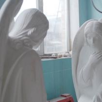 Скульптура из мрамора. Цена скульптуры ангела - согласно проекта памятника.