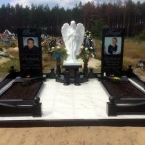 На фото памятник с ангелом, установленный на кладбище. Размер скульптуры: 125 х 50 х 50 см., размах крыльев ангела: 70 см. Цена скульптуры ангела 27 тыс. грн. Производство скульптуры из полимера в Киеве.