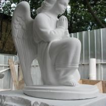 Фото молящегося ангела из полимербетона. Размер скульптуры ангела: высота 60 см. Цена ангела на складе, в Киеве 3 тыс. грн.