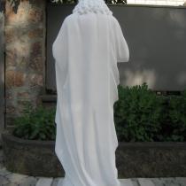 Статуя Иисуса Христа из белого бетона, высота 130 см, основа 35 х 34 см, вес 180 кг, цена статуи 29 тыс.грн. Фото статуи Иисуса Христа на складе.
