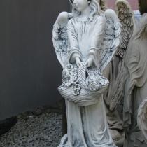 Скульптура девочки для памятника. Фото скульптуры девочки с корзинкой. Цена скульптуры девочки в Киеве - 5 тыс. грн.