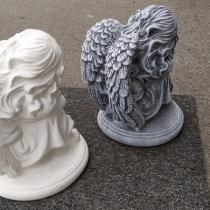 Фото обратной стороны ангела. Продажа ангелов для памятника - Магазин скульптуры в Киеве.