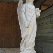 Фото статуи ангела из бетона. Высота статуи ангела 105 см., основа 25 х 25 см., вес 75 кг. Цена ангела на складе, в Киеве 19 тыс. грн.