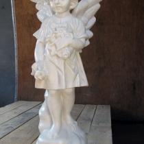 Скульптура из бетона для памятника. Высота ангела из декоративного бетона 60 см., основа 20 х 20 см., вес 25 кг. Цена скульптуры ангела 5 тыс. грн.