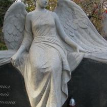Фото скульптуры из гранита. Доступная цена гранитной скульптуры в Киеве.