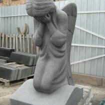 Фото скульптуры из гранита. Размеры скульптуры из гранита - 90 х 50 х 40 см. Стоимость ангела: от $ 3 тыс.