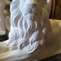 Лев для памятника. Заказать льва для памятника - можно в Магазине скульптуры в Киеве сегодня.