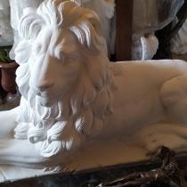 Купить льва для кладбища - можно в Магазине скульптуры в Киеве сегодня. Цена скульптуры льва - 25 тыс. грн.