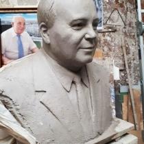 Бюст для памятника. Изготовление портрета в глине.