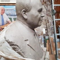 Бюсты для памятника, фото, цена, из бронзы, мрамора, гранита