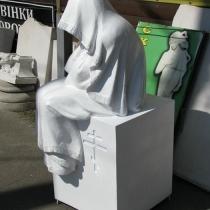 Фото скульптуры из полимера на могилу. Размеры плачущей в полимере: 125 х 50 х 50 см. Цена плачущей из полимера - $1 тыс.