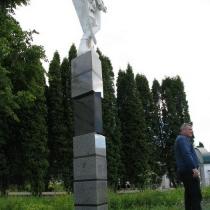 Ангел из полимера на колонне. Высота ангела из полимера - 180 см. Цена ангела из полимера сегодня - доступна.