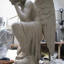 Фигура ангела в натуральную величину. Скульптура ангелов для памятника.