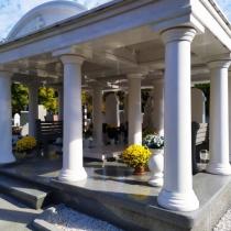 Элитный памятник на могилу. Фото ВИП памятника на кладбище.