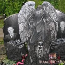 Гранитный комплекс со скульптурой ангела на городском кладбище Берковцы, в Киеве. Изготовление гранитных комплексов с гарантией.