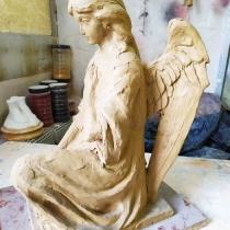 Высота модели ангела - 37 см. Время изготовления модели ангела - 2 дня.  Цена скульптуры ангела - 6 тыс. грн.