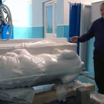 Скульптура льва из мрамора фото. Размер фигуры льва - 2 м. Производство скульптуры большого размера; фото льва на станке ЧПУ в Киеве.
