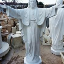 Цена статуи Иисуса Христа - 100 тыс. грн. Купить статую Иисуса для памятника - можно в Магазине скульптуры в Киеве.
