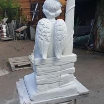 Высота детской скульптуры - 1,5 м. Купить ангела из мрамора - можно в Магазине Ритуальной скульптуры в Киеве.